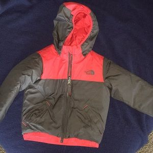 North Face boys 3T winter puffer coat EUC